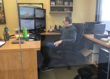Desk with Waggz